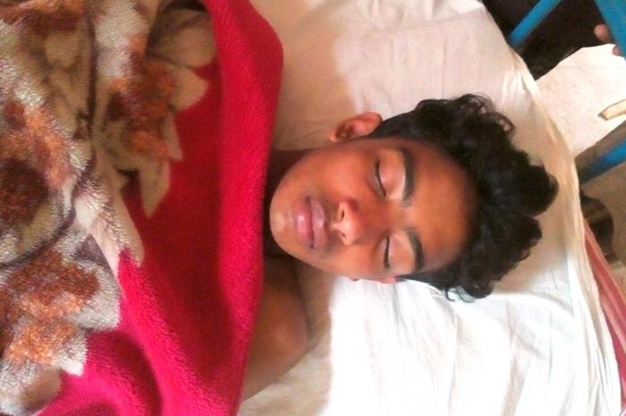 মঠবাড়িয়ায় বখাটের হামলায় স্কুল ছাত্র আহত
